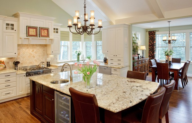 Custom Kitchen Delivers Functionality and Entertainment for a Cooking Couple