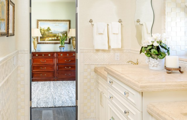 Bathroom-Cabinets-32