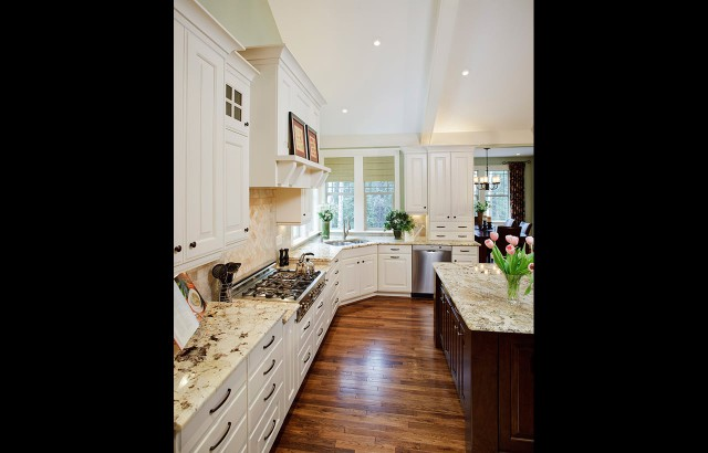 Traditional-Kitchens-09