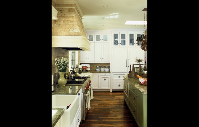 Affinity kitchens traditional photo gallery for Traditional kitchen photo gallery