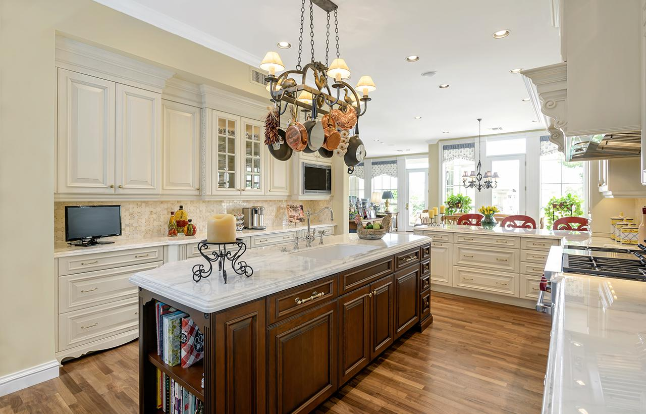Traditional-Kitchens-21